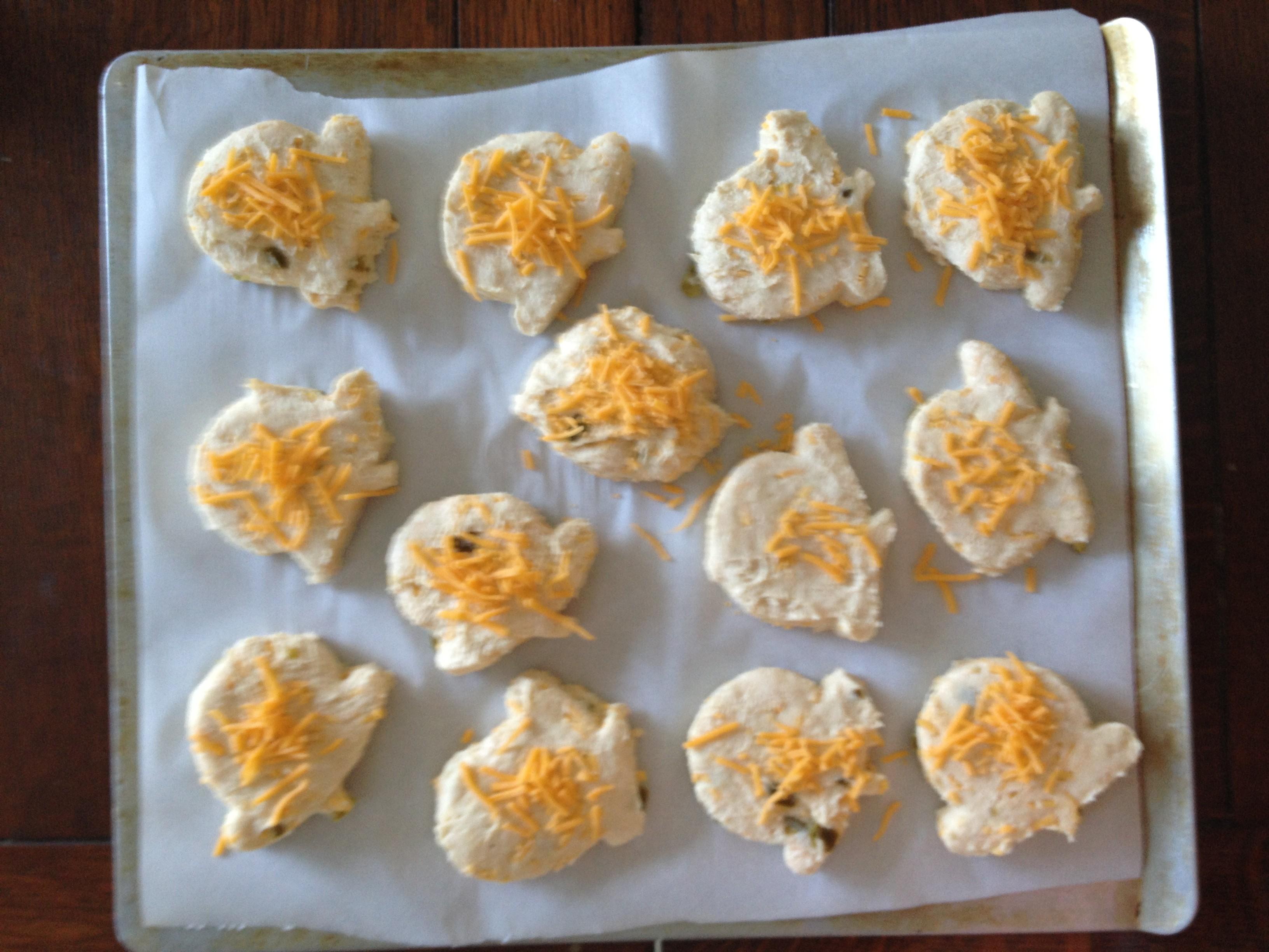 Flaky Cheddar Jalapeno Biscuits | fêtesuzette